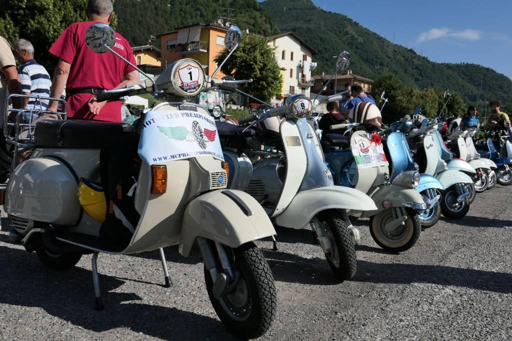 Raduno di moto d'epoca in Valle Brembana