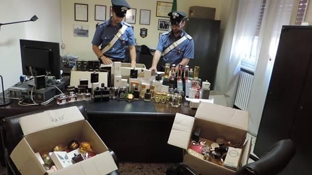 carabinieri furto di profumi