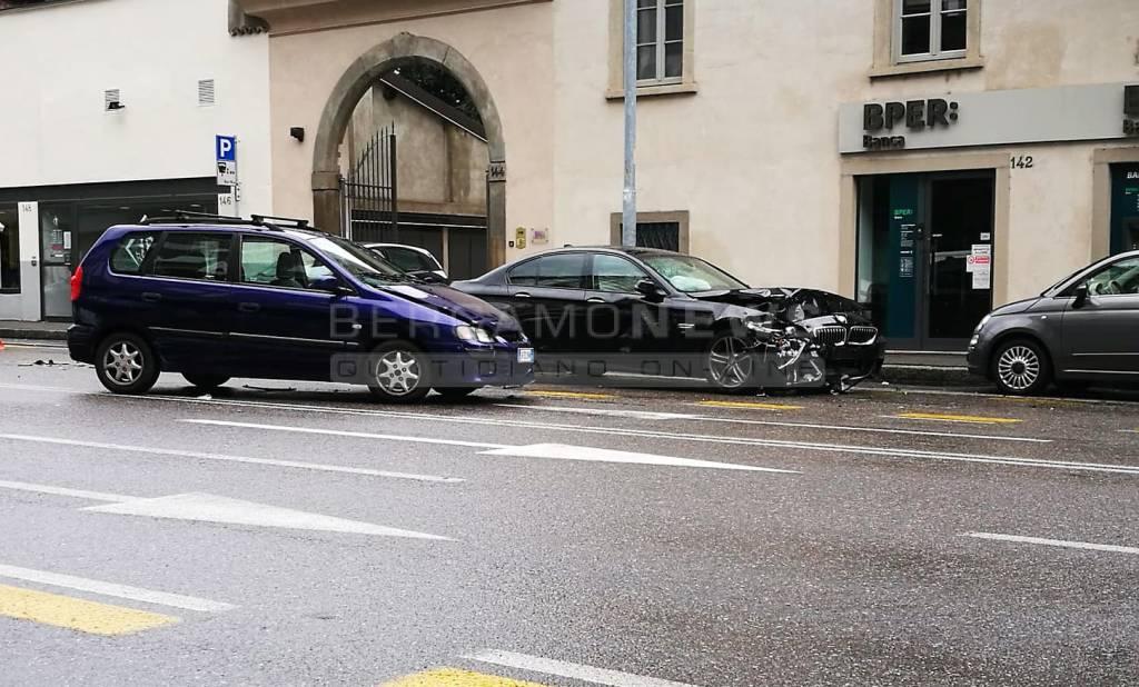 Incidente via Camozzi
