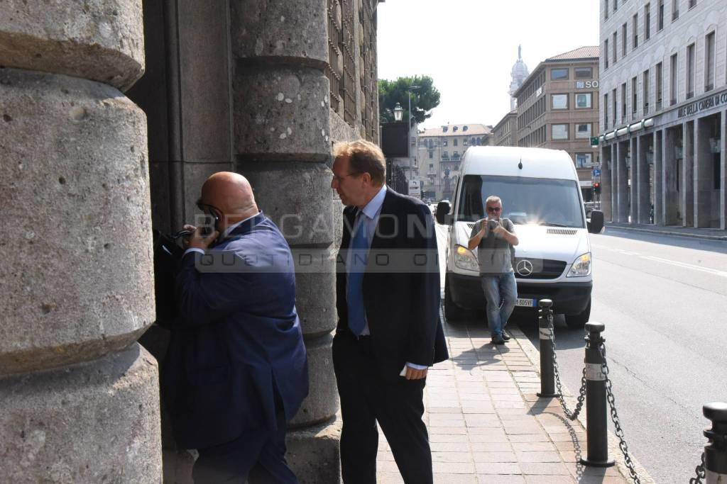 L'ex senatore Piccinelli in Procura