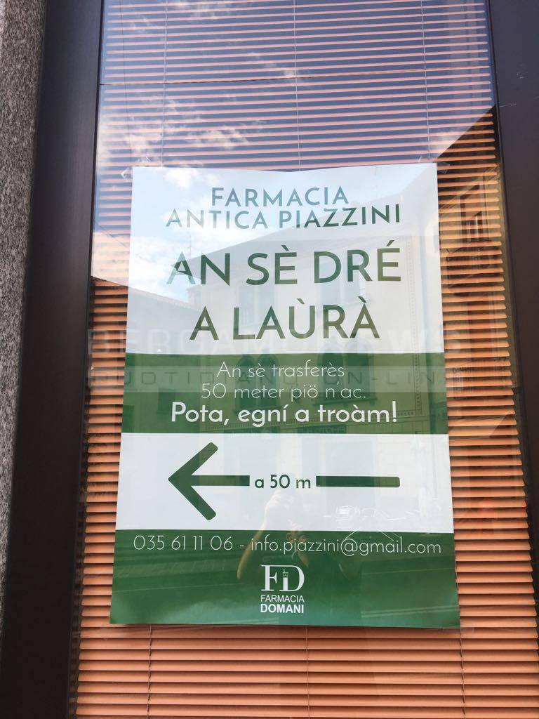 cartello in bergamasco in farmacia