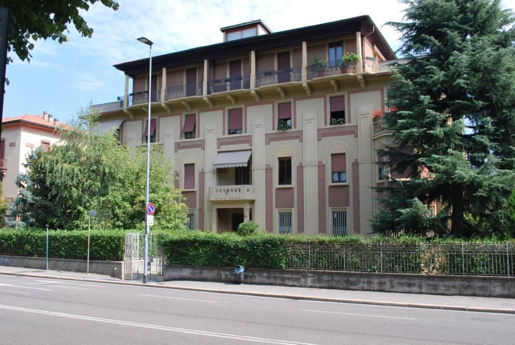 Ufficio Tecnico Pontirolo Nuovo : Torna a splendere un gioiello liberty: rimesso a nuovo palazzo