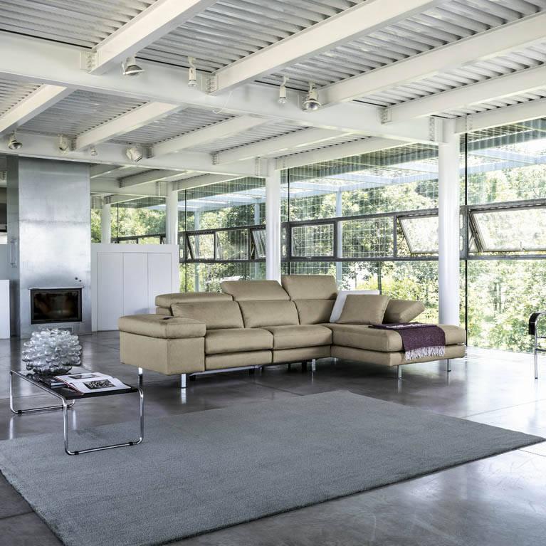 I luoghi bergamaschi danno il nome alla nuova collezione di divani bergamo news - Rifoderare divano poltrone e sofa ...