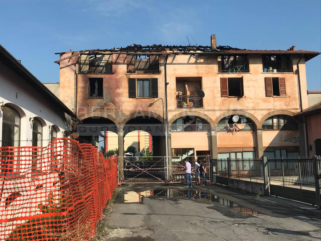 Incendio palazzina Romano