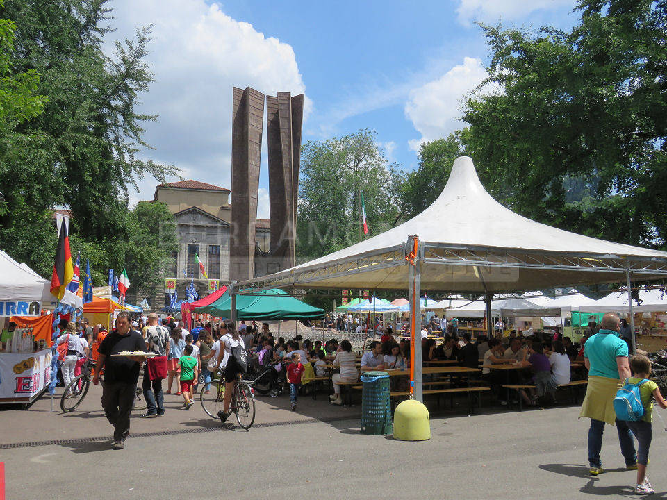 Lo street food torna in piazzale Alpini