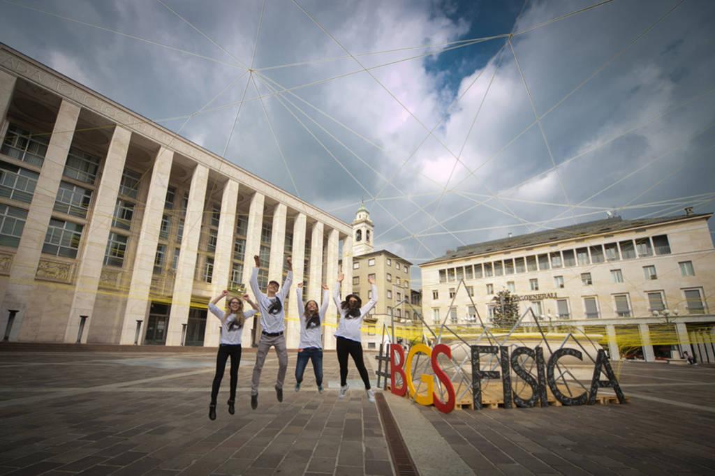 volontari di BergamoScienza - foto di Laura Pietra