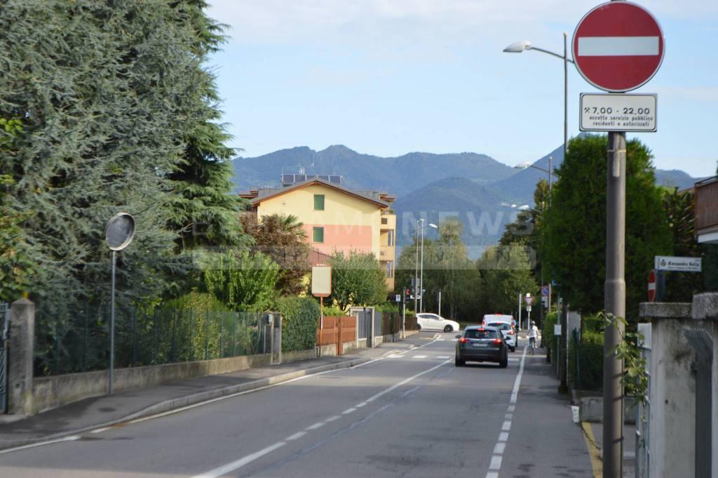 Ztl in via Frizzoni a Pedrengo