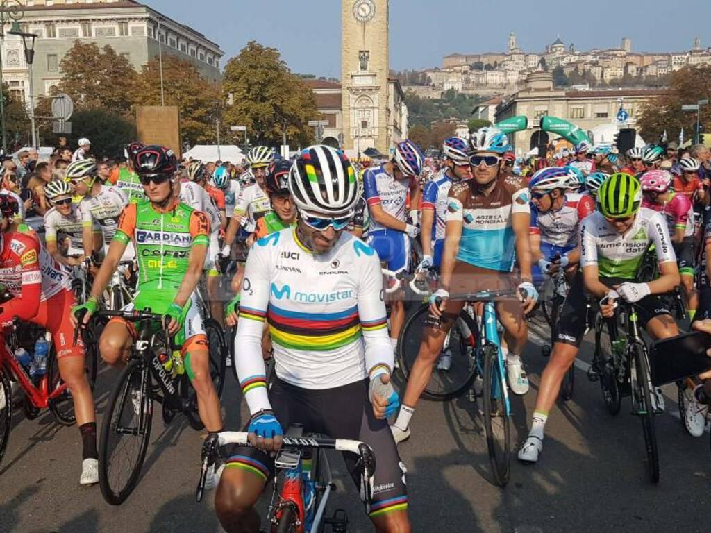 Giro di Lombardia 2018 - partenza