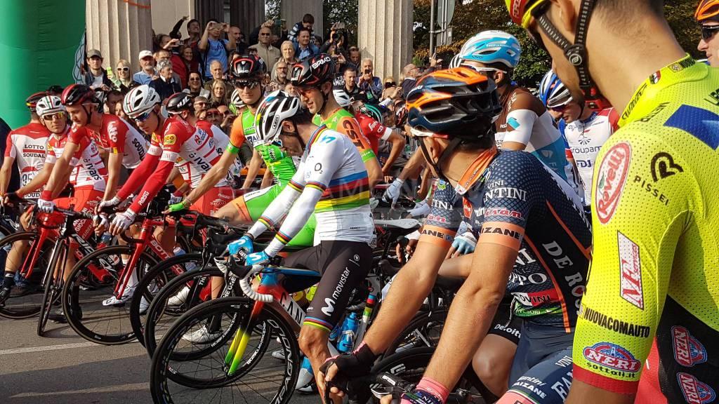 Scatta da Bergamo il Giro di Lombardia