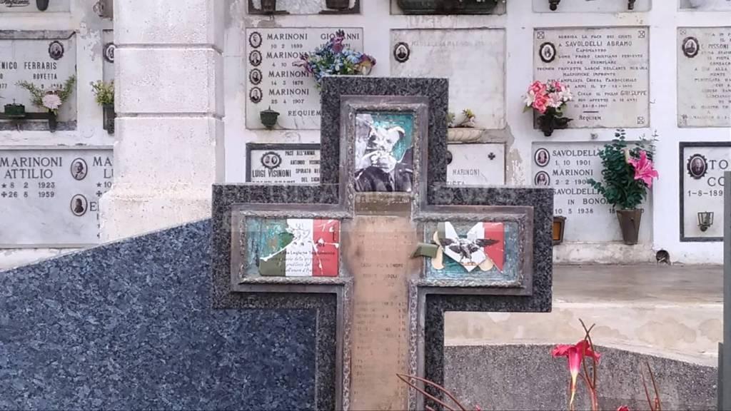 Vandali cimitero Rovetta