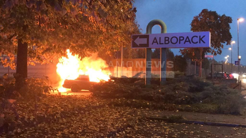 Auto in fiamme a Brembate Sopra