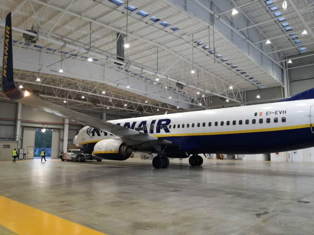 hangar seas