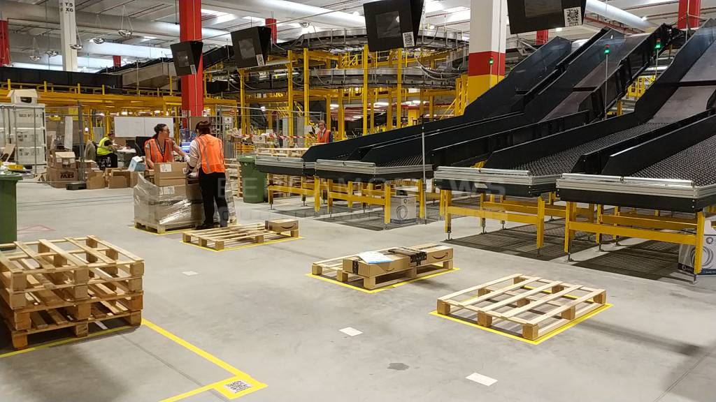 L'inaugurazione del centro Amazon a Casirate