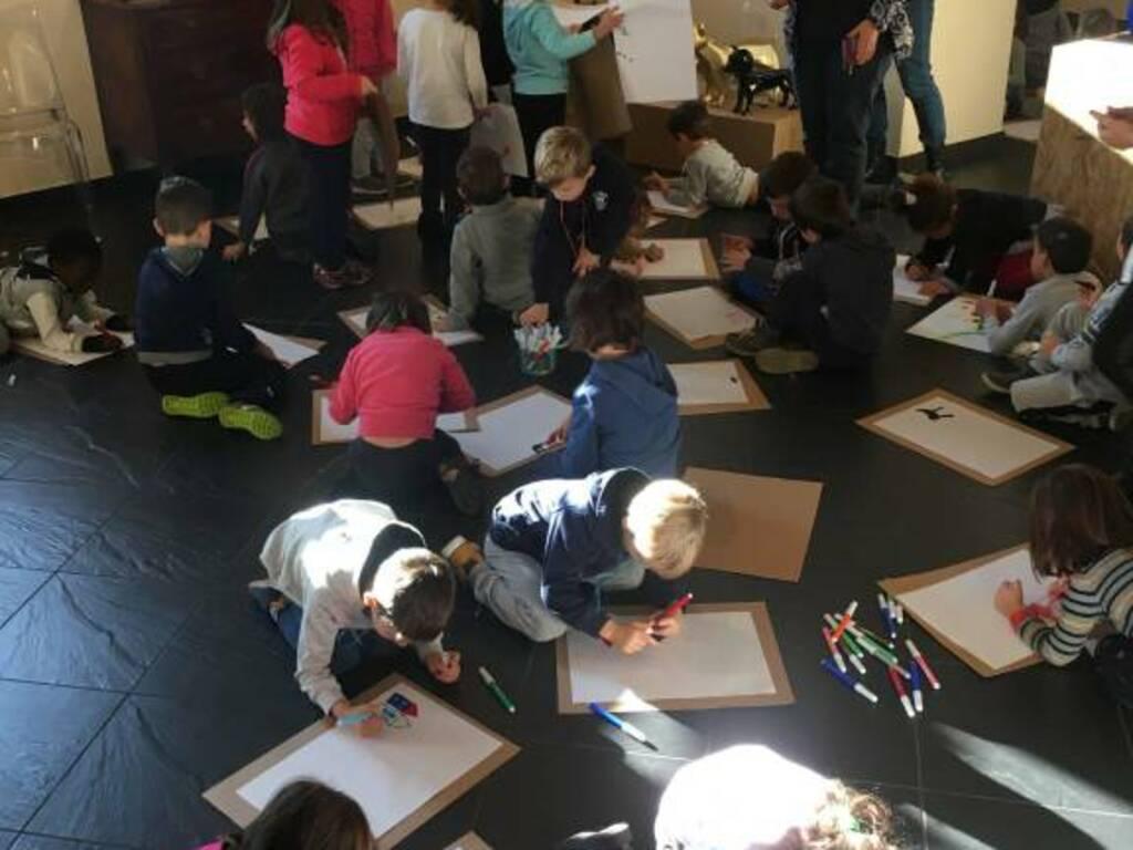 bambini, la lezione è in galleria