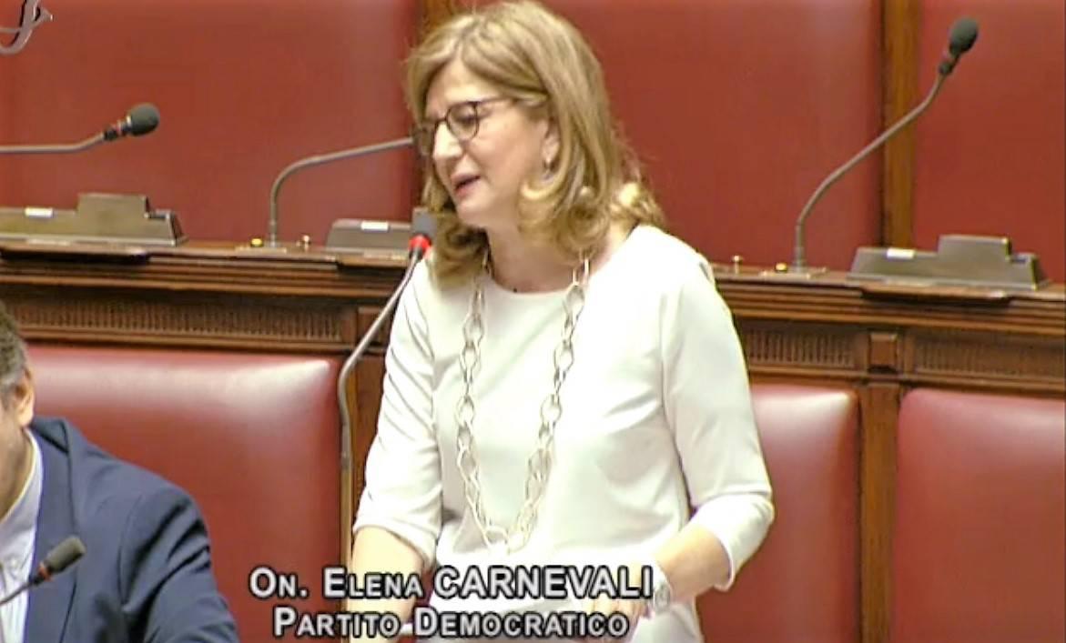 """Moratti: """"Vaccini ripartiti anche in base a Pil Regione""""; """"Misiani: """"Inaccettabile"""""""