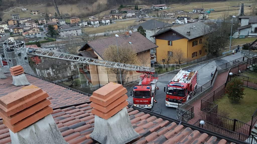 incendio di un tetto ad ardesio