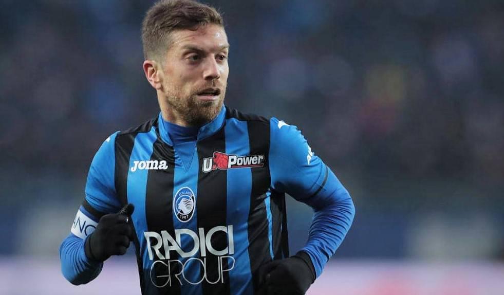 Scontri prima di Atalanta-Lazio, tensione tra Mihajlovic e un ultrà fuori dall'Olimpico