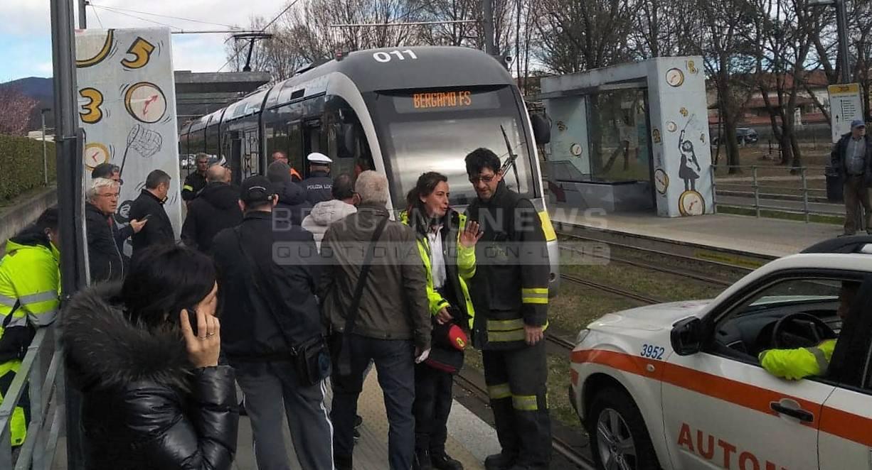 Studente investito dal tram