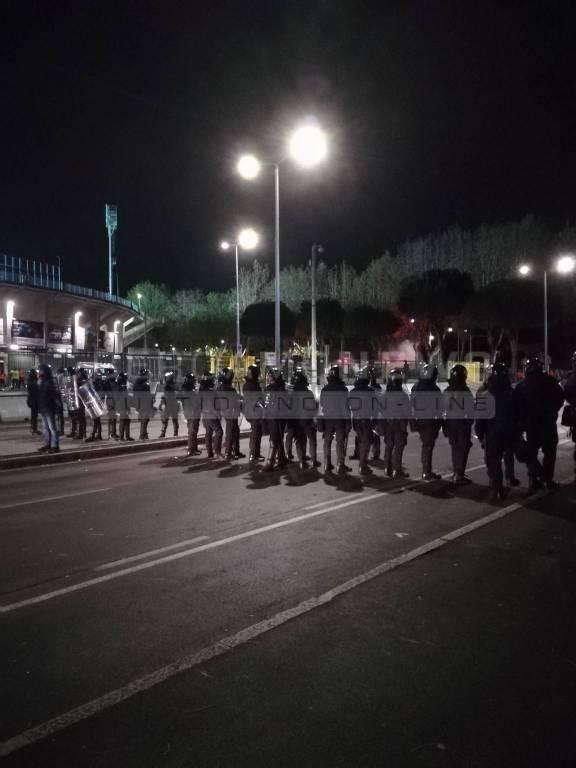 Atalanta-Fiorentina, 15 agenti feriti