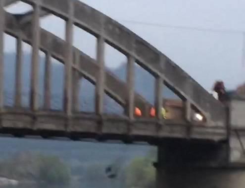 ponte di Cisano rifiuti