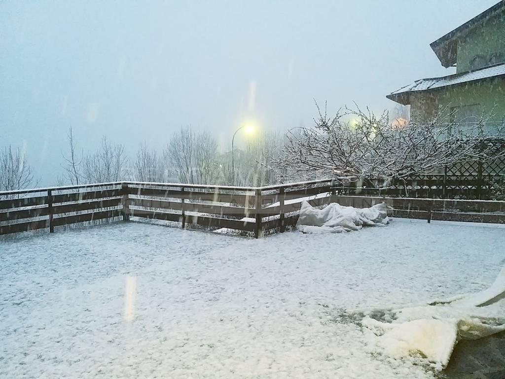 Selvino neve aprile