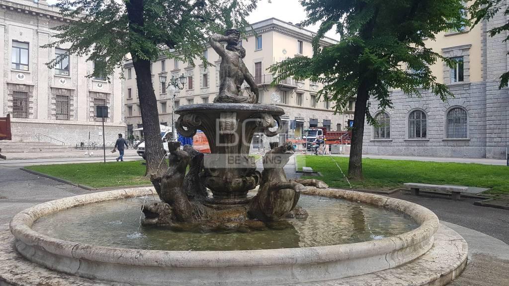 Fontana Piazza Dante