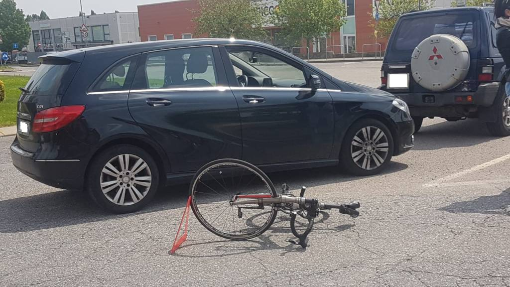 incidente bici almenno
