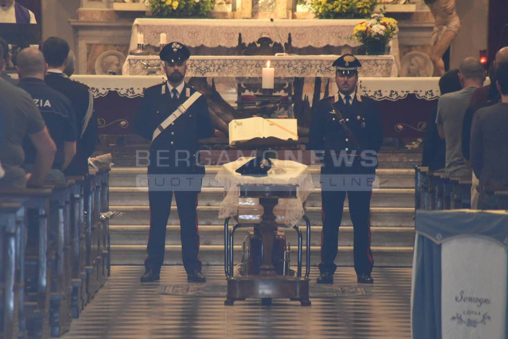 Benedizione della salma del carabiniere ucciso