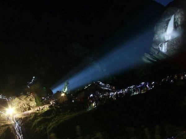 Apertura notturna delle cascate del Serio