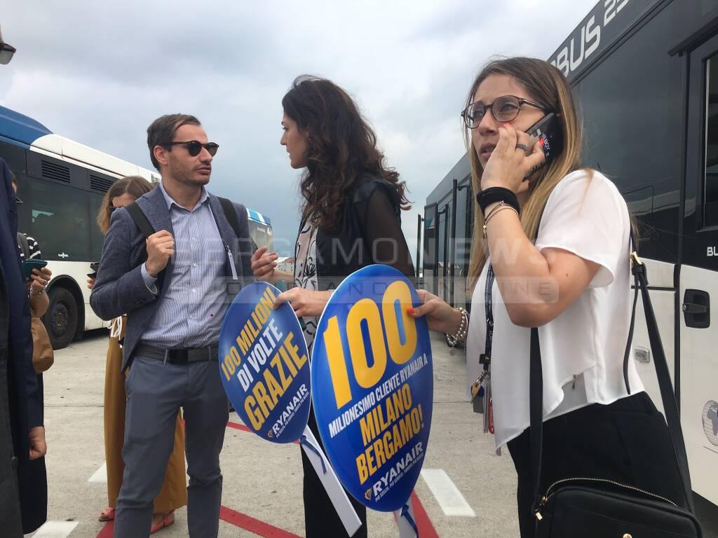 Il centomilionesimo passeggero Ryanair da Orio