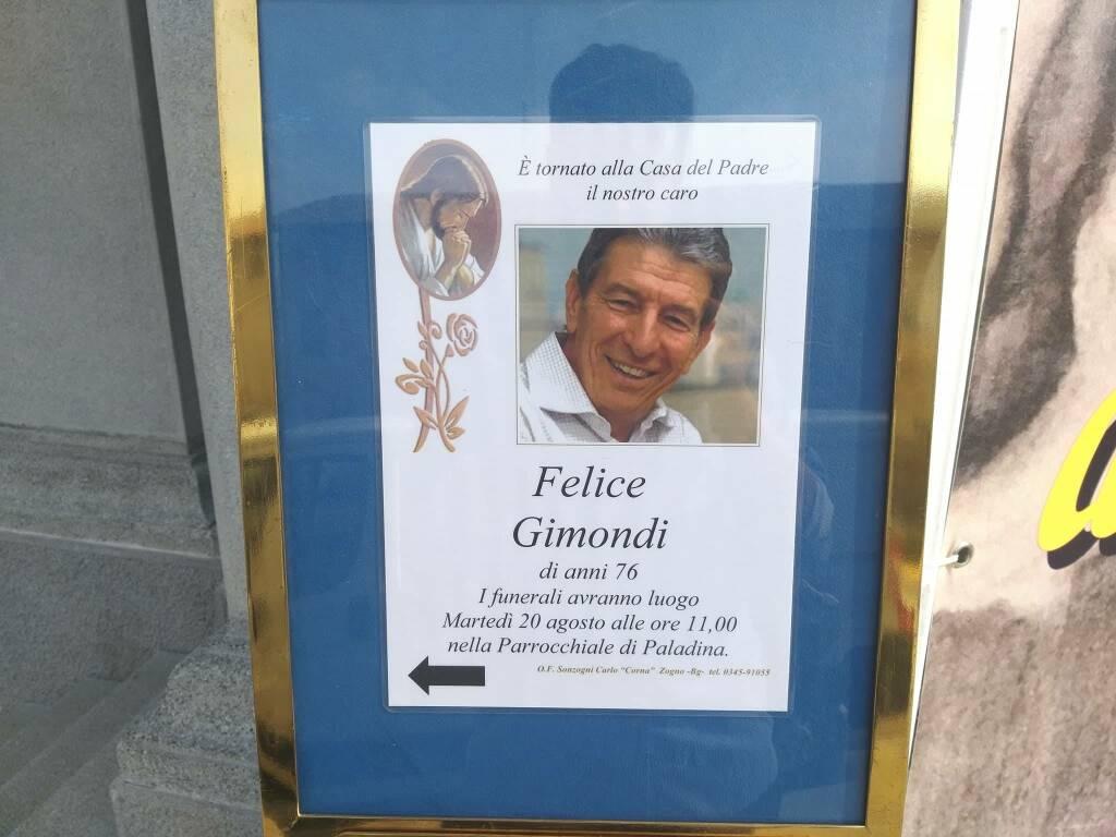Gimondi, folla ai funerali. Lungo applauso per la salma | Notizie Milano