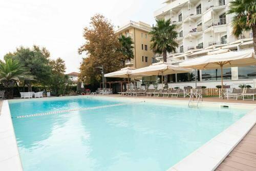 Piscina hotel Abruzzo Marina