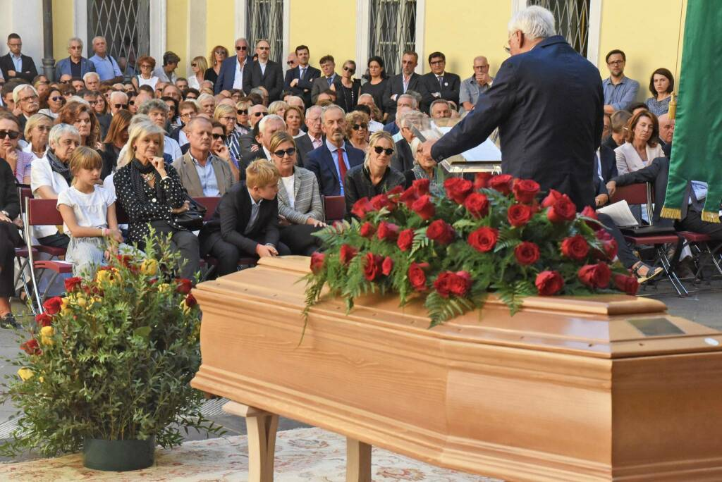 Salvioni ai funerali di Bruni