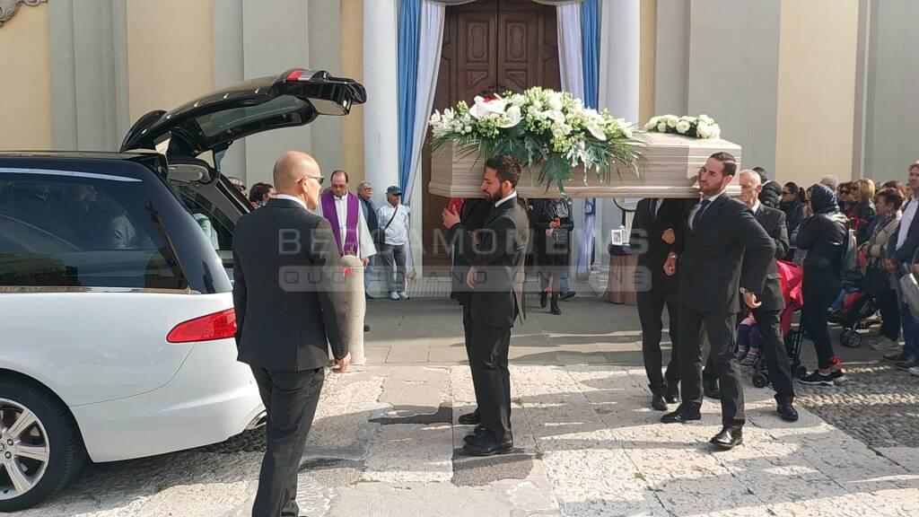 A Cologno il funerale di Zina