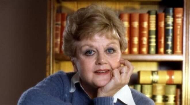 """Tanti auguri ad Angela Lansbury: la """"signora in giallo"""" compie 94 anni"""