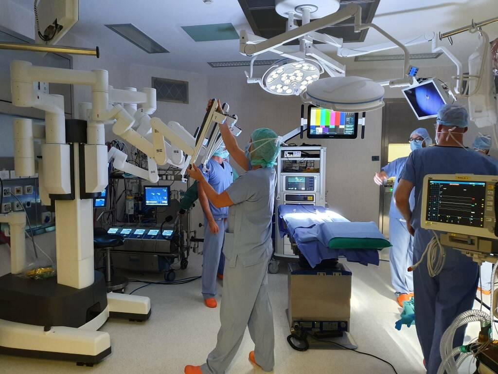 humanitas gavazzeni cardiochirurgia robot