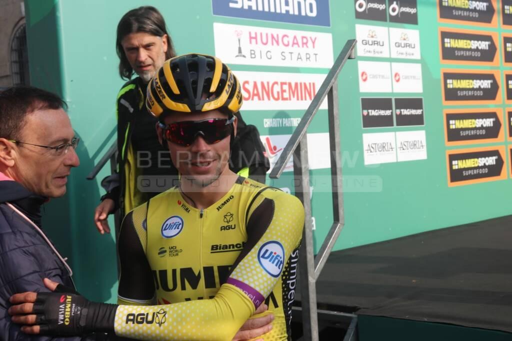 La partenza da Bergamo del Giro di Lombardia 2019
