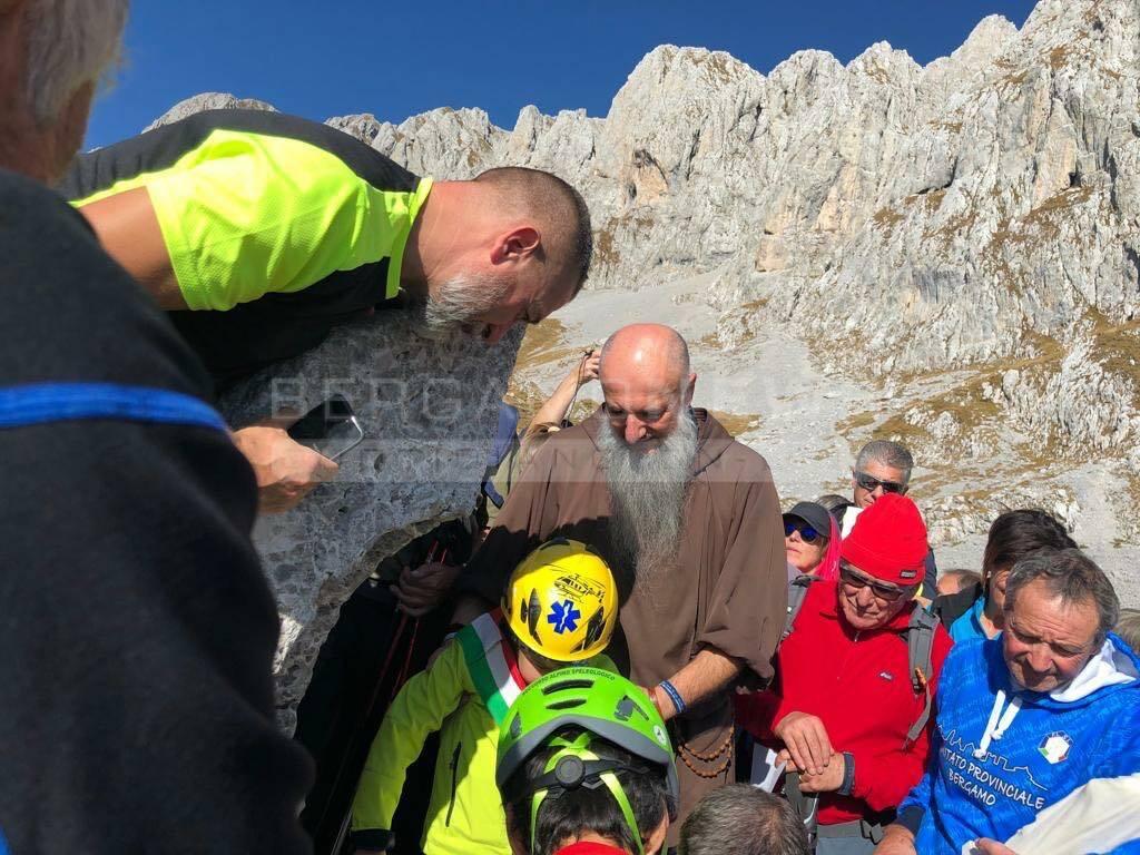 Sulla Presolana è arrivata la Madonnina dei bambini ricoverati al Papa Giovanni