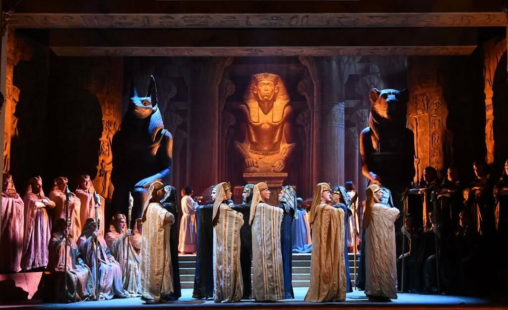 Aida al teatro sociale foto di Roberto Ricci