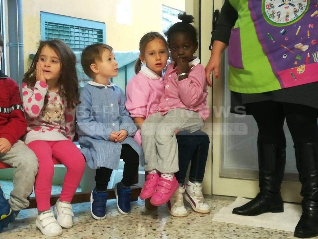 Asilo di Villongo, i bimbi imparano la lingua dei segni per Irma, compagna sorda