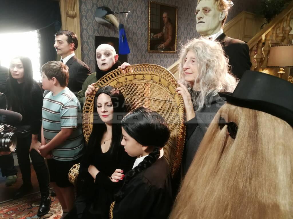 Pietro Ghislandi, zio Fester, famiglia Addams