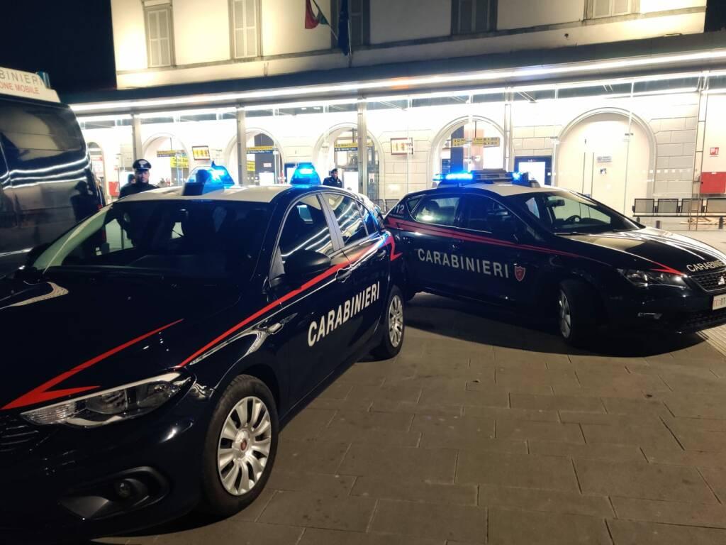 Carabinieri alla stazione di Bergamo
