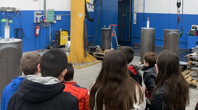 Gli studenti bergamaschi alla scoperta delle industrie delle valvole