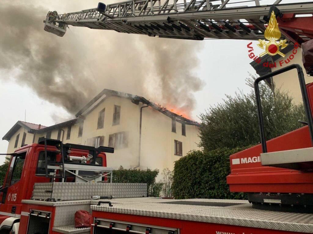 Incendio a Busnago
