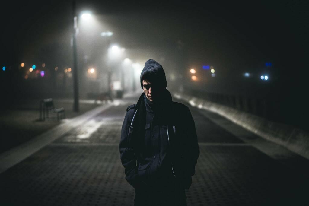 ragazzo bullismo solitudine (foto Warren Wong da Unsplash)