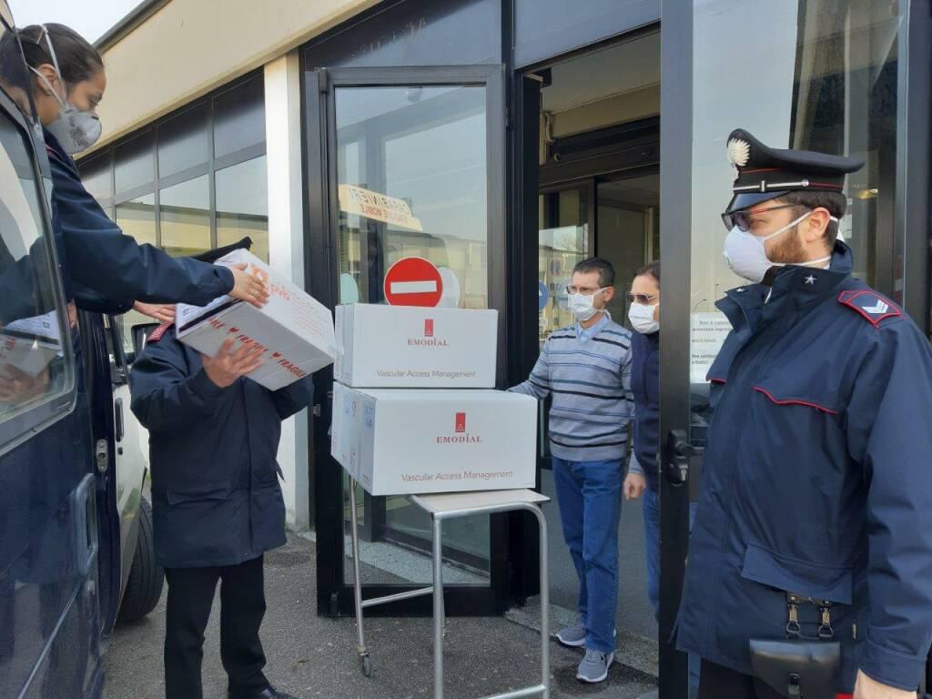 carabinieri medicinali consegna