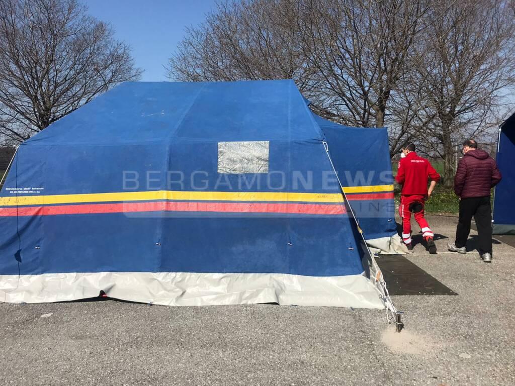 Dalmine, area feste pronta per sanificare le ambulanze