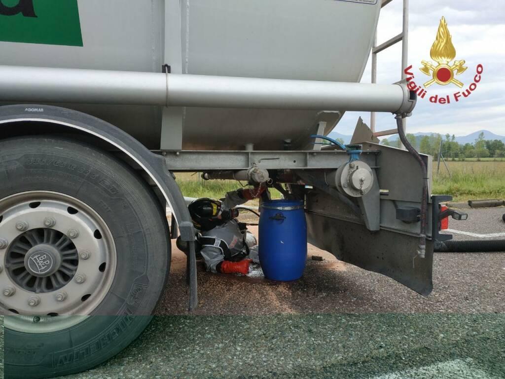 autocisterna perde stirene lungo l'autostrada A4