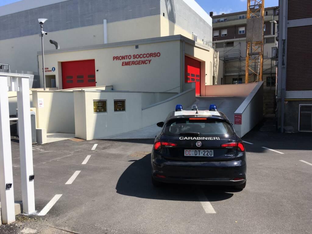 Blitz dei carabinieri al Policlinico di Ponte San Pietro
