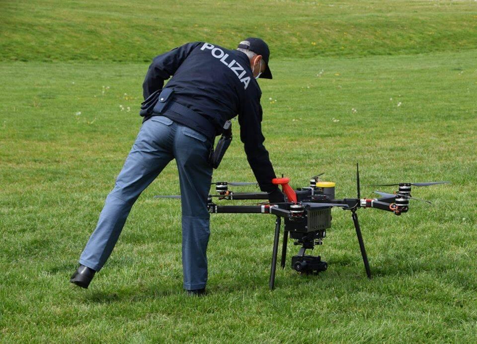 Polizia droni